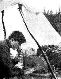 Член сборной команды Уфимского радиоклуба Юрий Ерилов (043032, в 1960-х гг. – UA9WAO) во время соревнований.